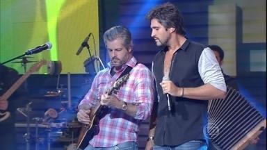 Com 'Deus e Eu no Sertão', sertanejos encantam plateia - Veja também momentos do ensaio de Victor e Leo