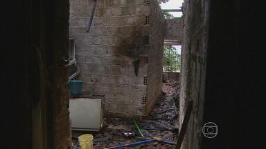 Incêndio em Jaboatão mata primos de 10 e 26 anos - Vizinhos ainda tentaram socorrer, mas as chamas se espalharam rapidamente.