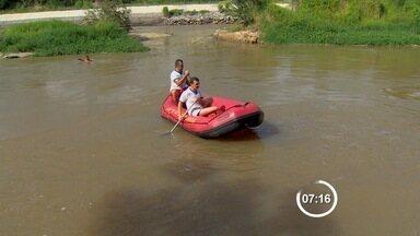 Bombeiros buscam menino de 6 anos desaparecido em rio de São José - Criança foi arrastada por correnteza na tarde deste domingo (11).