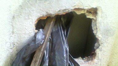 Bandidos fazem buraco na parede de banco de Querência do Norte - O alarme disparou e eles não conseguiram levar o dinheiro.