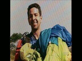 Médico de Londrina morre ao saltar de paraquedas - O neurocirurgião Luiz Henrique Garcia Lopes, de 37 anos, morreu no sábado, em Piracicaba, no Estado de São Paulo.
