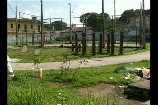 Moradores de entorno de praça no bairro da Pratinha reclamam que local está abandonado - Seurb disse que espaço deverá passar por obras ainda neste primeiro semestre.