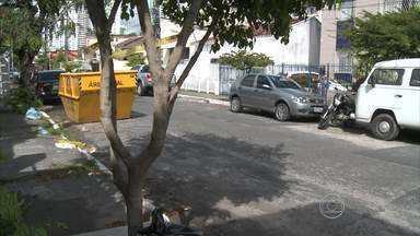 Homem é assassinado quando saía de um bar, no Recife - Crime aconteceu no bairro da Encruzilhada, na Zona Norte. Vítima tinha 28 anos pode ter sido morta por engano.