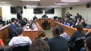 TJ faz segunda audiência do processo contra 23 acusados de violência em manifestações - O Tribunal de Justiça fez a segunda audiência de instrução do processo contra 23 acusados de violência em manifestações no Rio.