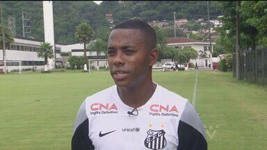 Robinho é um dos ídolos que permanecem intactos na nova fase do Santos - Confira entrevista exclusiva do atleta com o repórter Renato Cury