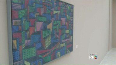 Obras de arte apreendidas na Operação Lava Jato são expostas no MON - Entrada custa R$ 6,00, e estudantes e idosos têm direito a meia entrada.