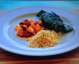 Renata Vanzetto prepara filé de peixe na couve - Chef cozinha em Noronha para Angélica, Grazi e Susana Vieira
