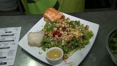 Aprenda a fazer uma deliciosa salada para o verão - Aprenda a fazer uma deliciosa salada para o verão.