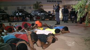 Dos 81 detidos em festa de facção no MA, 36 foram levados para Pedrinhas - Foram apreendidos 34 adolescentes e uma criança, segundo a PM. Menores estão sob custódia da Delegacia do Adolescente Infrator.