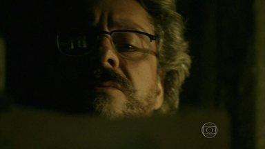 Império - Capítulo de segunda-feira, dia 19/01/2015, na íntegra - José Alfredo descobre quem ajudou o filho de Jesuína