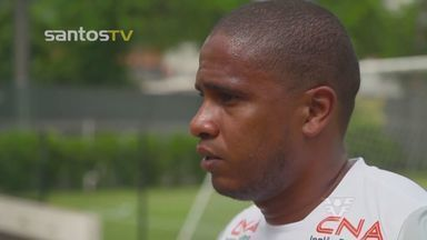 Colombiano Valencia fala pela primeira vez como jogador do Santos - Volante será apresentado nesta quarta-feira, na Vila Belmiro