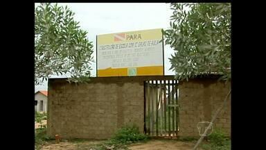Obras do governo estadual estão paralisadas em Alenquer - De acordo com os moradores, alguns locais servem de esconderijo para bandidos.
