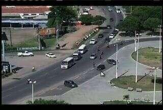 CETV mostra dificuldades de trafegar na rotatória do Crajubar - Câmeras da TV Verdes Mares flagram várias irregularidades.
