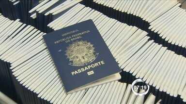 Emissão de passaportes em São José aumentou 50% em 2014 - São cerca de 200 atendimentos todos os dias no local.
