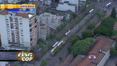 Trânsito: Avenida Osvaldo Aranha tem bloqueios a partir de sexta-feira (23) - Obras acontecem no corredor de ônibus, nos cruzamentos. Paradas de ônibus serão recolocadas.