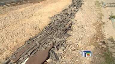 Moradores do Parque Imperial em Jacareí reclamam da falta de asfalto - Eles sofrem com ruas esburacadas e poeira.