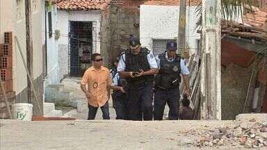Traficantes impões regras aos moradores na periferia de Fortaleza - Duas pessoas foram baleadas por entrarem em favela com o vidro do carro levantados.