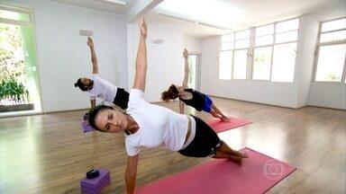 Respiração é o caminho para a concentração no power ioga - O ritmo acelerado da rotina devem ficar do lado de fora. Nessa modalidade, é preciso concentração para se conectar consigo mesmo. A respiração é o caminho.