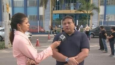 Manaustrans e Detran orientam e fiscalizam na volta às aulas, em Manaus - Muitos pais cometem infrações e atrapalham o trânsito no período de aulas.