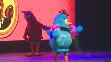 Show da 'Galinha Pintadinha' anima a tarde de domingo, em Manaus - Espetáculo infantil foi realizado no Studio 5, Zona Sul da capital.