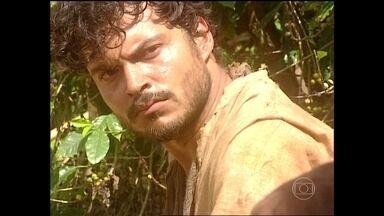 Guilherme sugere vender as terras e ir embora - Geremias se recusa e diz que compra a parte do irmão. Os dois brigam