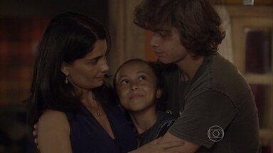 Pedro e Tomtom pedem desculpas para Delma - Os dois se arrependem e explicam que só estavam preocupados com a mãe. Delma tem uma conversa séria com os filhos e eles fazem as pazes