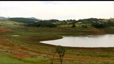 Sistema Alto Tietê deverá receber volume extra de água do Rio Guaratuba - No sistema Cantareira a situação da falta de chuva também é crítica. O acumulado de janeiro - cento e treze milímetros - está muito perto da mínima.