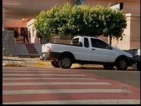 Estacionamentos preferenciais são utilizados sem credenciais - Desrespeito tem acontecido em Dracena.