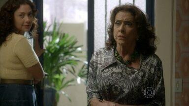 Boogie Oogie - capítulo de segunda-feira, dia 26/01/15, na íntegra - Madalena se surpreende ao encontrar Fernando morando com Susana e Cristina