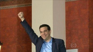 Após eleição, uma coalizão na Grécia quer combater austeridade europeia - Partido de extrema esquerda, Syriza, venceu as eleições no domingo (25). Eles formaram uma coalizão política com um partido de direita na Grécia.