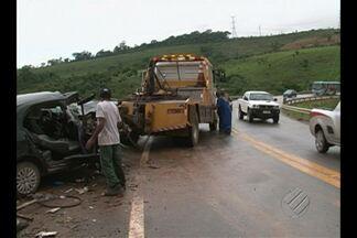 Condição das estradas e imprudências de motoristas provocam acidentes em rodovias federais - Três acidentes graves, com mortos, foram registrados na rodovia Transamazônica só neste mês.