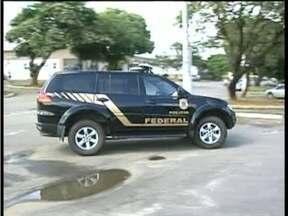 Operação da PF desarticula quadrilha que enviava imigrantes ilegais ao exterior - Em Valadares, 27 mandados de busca e apreensão foram cumpridos.