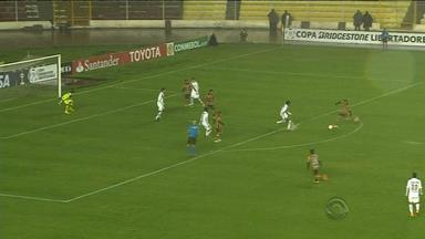 The Strongest é definido como primeiro adversário do Inter na Libertadores - Partida entre The Strongest e Monarcas terminou em 2 a 0 para bolivianos.