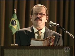 O Rei do Gado - capítulo de quarta-feira, dia 11/02/15, na íntegra - Senador Caxias discursa para Congresso vazio