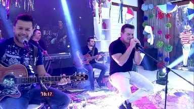 Marcos e Belutti levam mais um sucesso ao Mais Você: o hit 'Então Foge' - Dupla sertaneja esteve no Mais Você de quinta-feira (12)