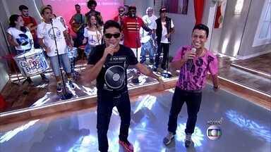 Carrossel de Emoções, Bob Rum e MC Leozinho abrem o Encontro com 'Rap do Silva' - Dupla canta funk com batidas de samba