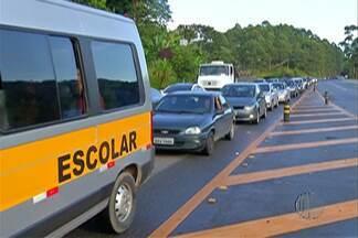 Mogi-Bertioga tem trânsito parado no sentido litoral - Segundo o DER, são 30 quilômetros de congestionamento.