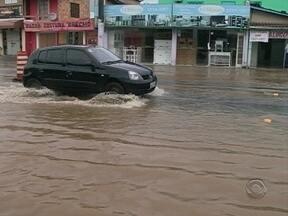 Chuva forte causa transtornos na Grande Florianópolis - Chuva forte causa transtornos na Grande Florianópolis