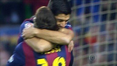 Barcelona goleia no Espanhol com três de Messi, um de Neymar e pintura de Suárez - Brasileiro fez gol de canela e superou Maradona na lista de artilheiros do clube catalão.