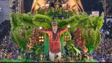 Beija-Flor comemora 13º título do grupo especial do Carnaval do Rio - A Beija-Flor comemora o 13º título do grupo especial do carnaval carioca. A escola de Nilópolis deu a volta por cima. Depois de amargar um sétimo lugar em 2014, a Beija-Flor volta ao topo com um desfile que encantou os jurados e o público.