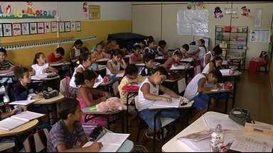 Projeto recupera alunos indisciplinados em Rio Verde - Um projeto desenvolvido em Rio Verde, no sudoeste de Goiás, ajuda a alunos indisciplinados.