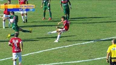 Futebol: Inter vence São Paulo-RS no Estádio Aldo Dapuzzo - Alex fez os dois gols colorados da partida.