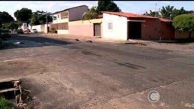 Buraco em trecho na rua Tamandaré na zona Norte de Teresina foi resolvido - Buraco em trecho na rua Tamandaré na zona Norte de Teresina foi resolvido