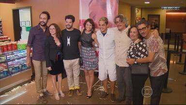 Filme premiado feito no Sertão de Pernambuco estreia no Recife - Diretor Camilo Cavalcanti e elenco de 'A História da eternidade' participaram da noite de lançamento.