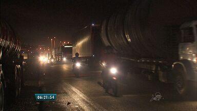 Tráfego da BR-116 no Ceará flui normalmente após protestos de caminhoneiros - A decisão se deu após reunião com o Governo Federal.