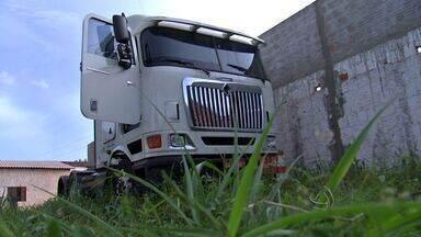 Polícia descobre desmanche de veículos e prende empresário em Várzea Grande - Polícia descobre desmanche de veículos e prende empresário em Várzea Grande.