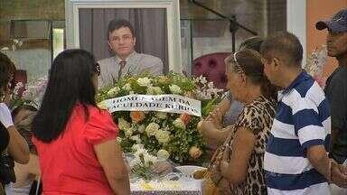 Corpo de pastor morto é enterrado nesta quinta-feira em Fortaleza - Morte do pastor foi o quarto caso de latrocínio nos últimos dias na Região Metropolitana de Fortaleza.
