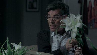 Vídeo Show exibe clipe de 'bem-me-quer, mal-me-quer' - Coletânea de cenas mostra as flores despetaladas na ficção