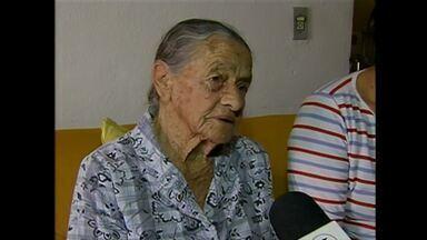 Presos suspeitos de mandar matar três conselheiros tutelares e idosa em Pernambuco - Suspeitos são a avó e o pai da menina que sobreviveu à chacina, em Poção, no Agreste. Polícia Civil prendeu ainda um homem que seria um dos executores.