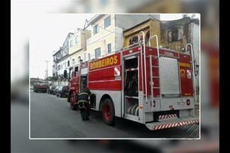 Incêndio atinge fábrica de vassouras no bairro da Sacramenta, em Belém - Nenhuma pessoa ficou ferida.